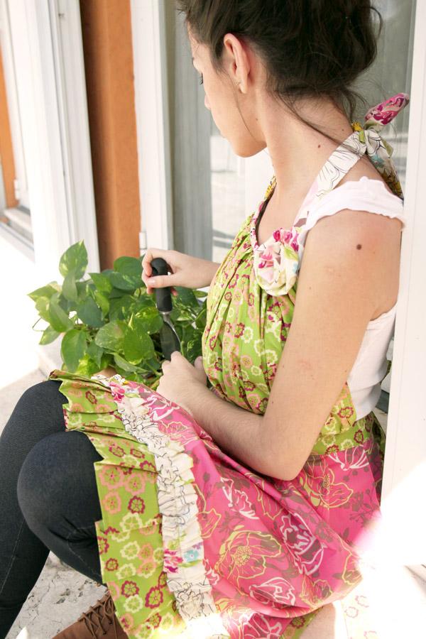 Apron_gardeningWEB
