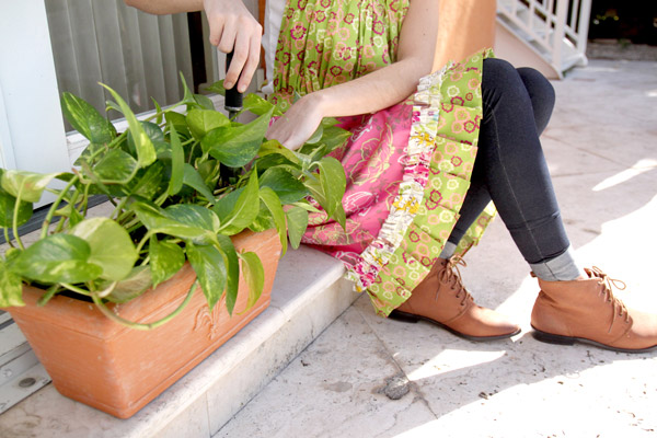 Apron_gardening5WEB