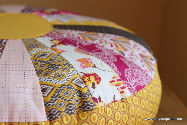 Dresden-plate-poof-pillow-tutorial