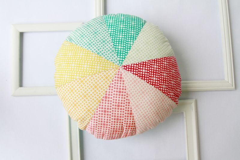 SquaredElements_pillow_2