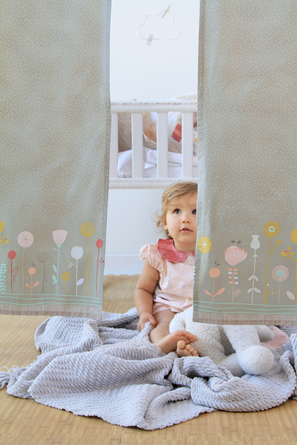 Littlest_curtain_3
