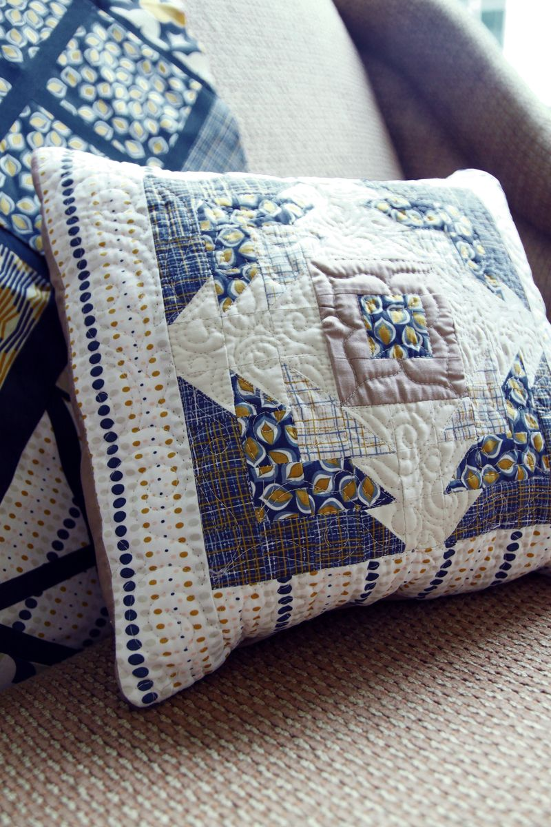Collection_Athena_Pillows