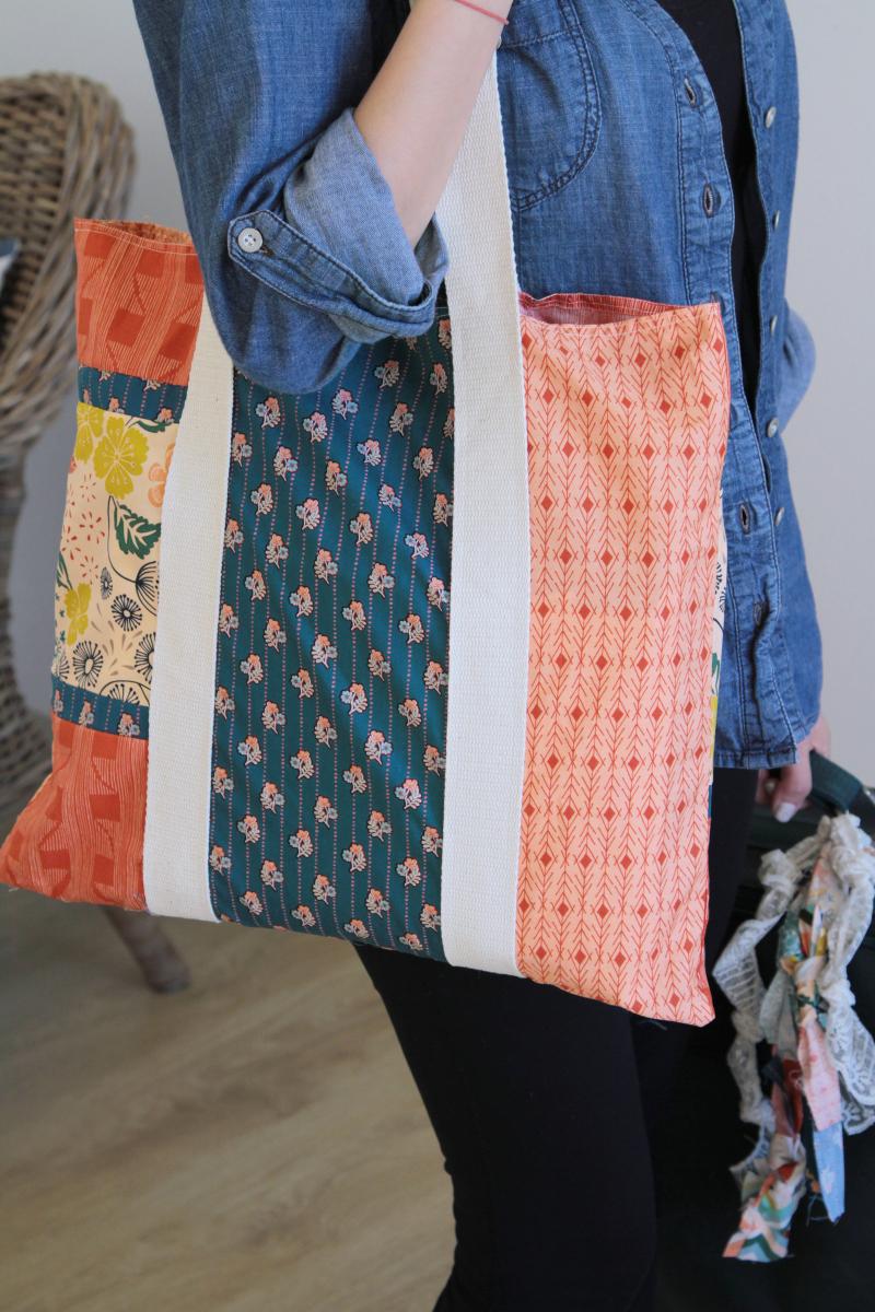 ArtGalleryFabrics_Fleet&Flourish_Handbag2_1