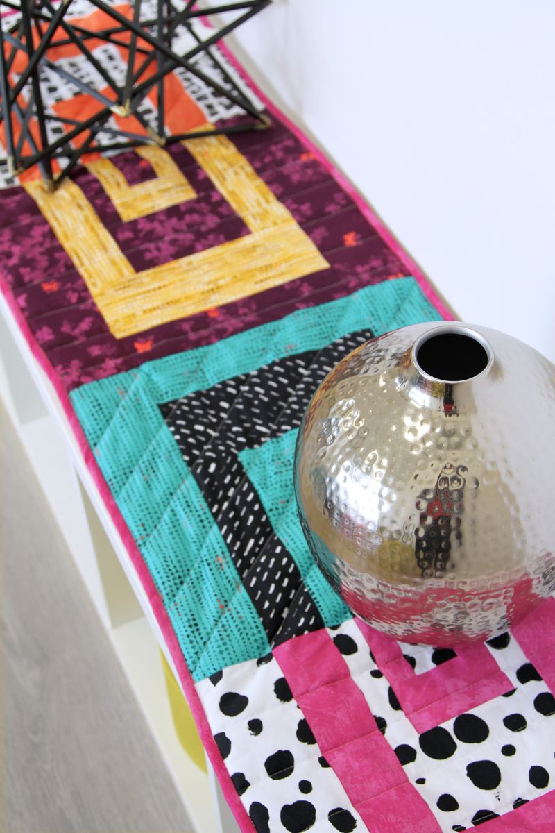 ArtGalleryFabrics_AvantGarde_Table_Runner+miniquilt_2